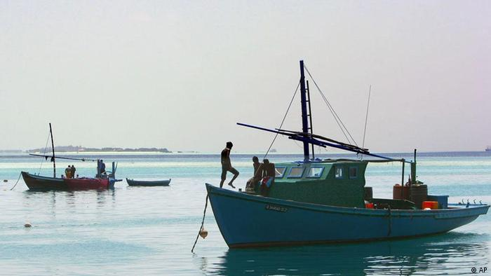 Malediven Strand Tourismus Meer Boot Schiff Fischer (AP)
