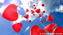 #11215415 Fotolia Herz Valentinstag Liebeserklärung Ballon Herzen herz; valentinstag; romantisch; symbol; ballon; himmel; blau; wolken; weis; rot; romanze; liebe; fliegen; aufwärts; zuneigung; gefühle; verliebt; verlieben; ballons; herzen; hochzeit; horizont; leichtigkeit; luftballons; weite; gruppe; menge; schweben; leicht; valentin; hochzeitstag; freundschaft; partnerschaft; balloon; dekoration; emotion; feiern; geburtstag; glücklich; glückliche; herzform; herzförmig; herzluftballons; hintergrund; jahrestag; liebeserklärung; spiel; sommer; heirat; heiraten