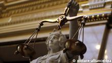 Deutschland Hanburg Statue der Justitia