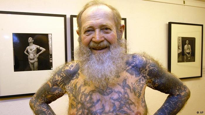 Как немцы избавляются от татуировок