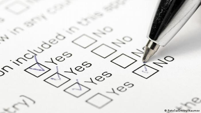 Fragebogen Stift Papier