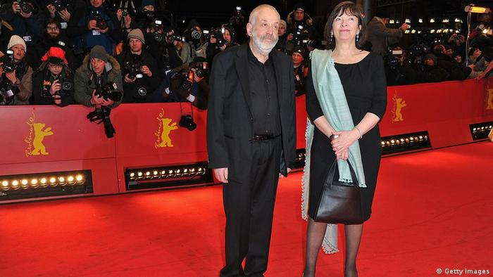 138583785 GettyImages. BERLIN, GERMANY - FEBRUARY 09: Jury president Mike Leigh and guest attend the Les Adieux De La Reine Premiere during day one of the 62nd Berlin International Film Festival at the Berlinale Palast on February 9, 2012 in Berlin, Germany. (Photo by Pascal Le Segretain/Getty Images)