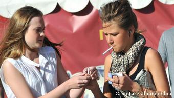 Στόχος της προωθούμενης νομοθεσίας να προστατευθούν και οι νέοι