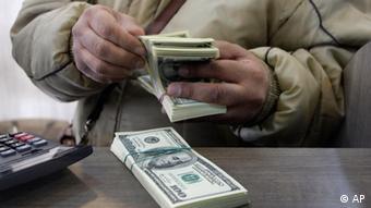 افت ارزش ریال در برابر دلار، بر مسافرت ایرانیان تاثیرگذاشته است