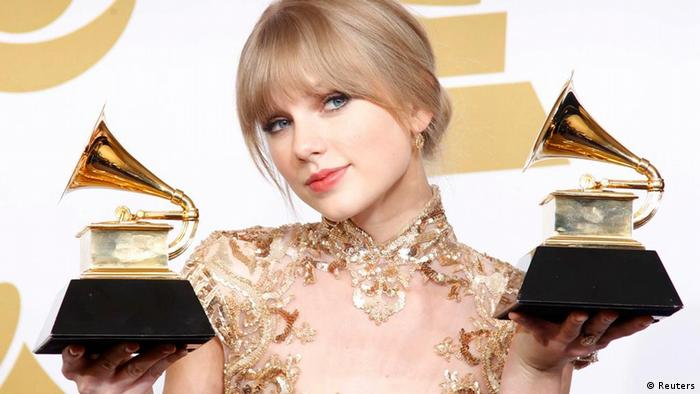 Grammy Awards 2012 Taylor Swift (Reuters)