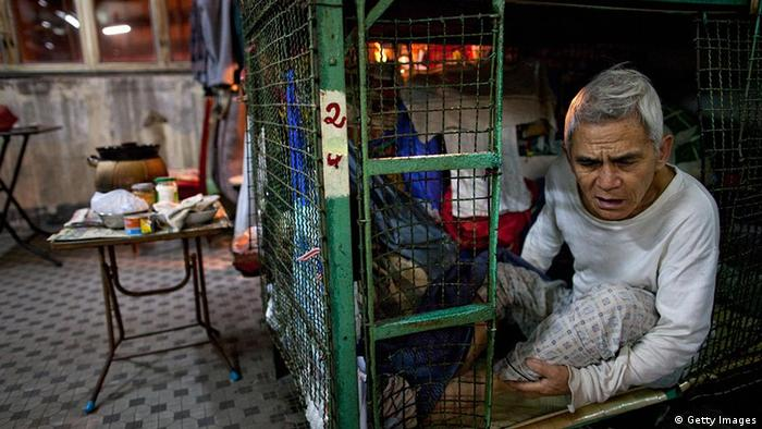 China Hongkong Wohnungsnot Wohnen im Käfig (Getty Images)