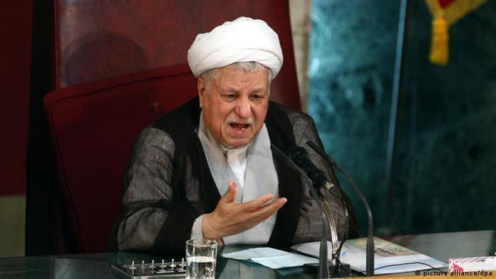 تلاشهای هاشمی رفسنجانی در دوره ریاست جمهوریاش برای عادیسازی رابطه با آمریکا با مقاومت سخت آیتالله خامنهای مواجه شد