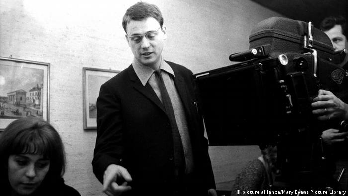German filmmaker Alexander Kluge in 1966 (picture alliance/Mary Evans Picture Library)