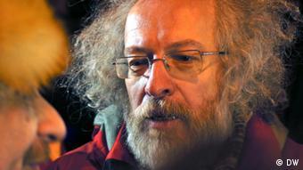 Venediktov na mitinge - Chefredakteur des Radiosenders Echo Moskau Aleksej Venediktov bei dem Demo in Moskau 31.01.2011 Alle Bilder sind von unserem Korrespondent Artem Khan gemacht. Er arbeitet mit Pseudonym, deshalb bitte Copyright nur: DW.
