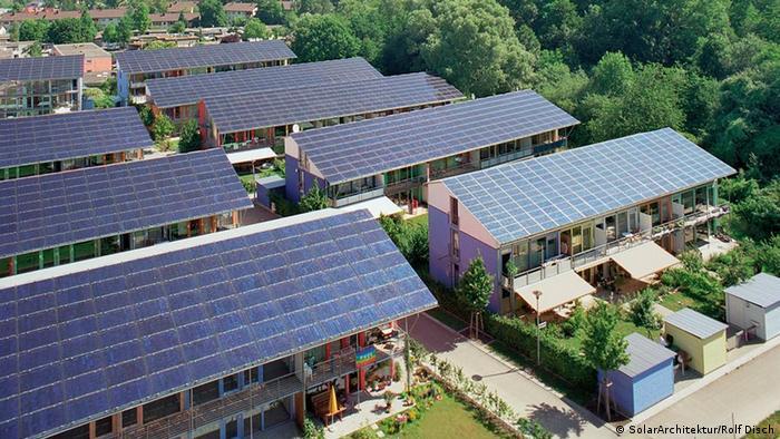 Eine Siedlung in Freiburg mit Photovoltaik Anlage