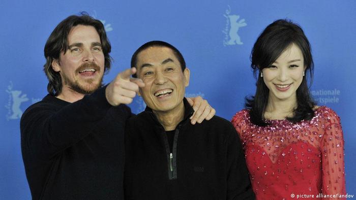 Berlinale 2012 roter Teppich Zhang Yimou Christian Bale Ni Ni (picture alliance/landov)