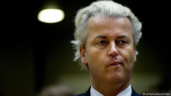epa02790606 Dutch politician Geert Wilders appears in court, in Amsterdam, the Netherlands on 23 June, 2011 during the reading of the verdict in the trail against the leader of the right wing PVV party. Judges are to give their verdict in the trial of MP Geert Wilders on charges of inciting hatred and discrimination against Moroccans, Muslims and non-western immigrants. EPA/Robin Utrecht +++(c) dpa - Bildfunk+++ pixel