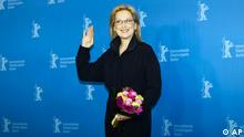 Actress Merly Streep poses for the photo call of the film The Iron Lady at the 62 edition of the Berlinale, International Film Festival in Berlin, Tuesday, Feb. 14, 2012. Merly Streep will be awarded with the the Honorary Golden Bear for her lifetime achievement. (Foto:Markus Schreiber/AP/dapd)