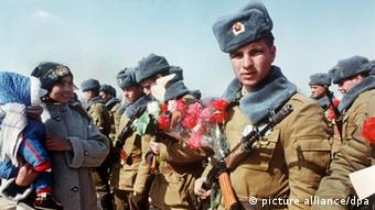 Last Soviet troops leave Afghanistan