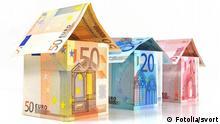 Häuser aus Banknoten