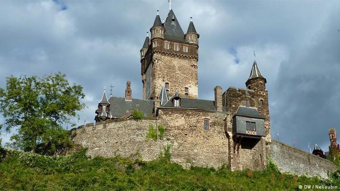 Burg Cochem an der Mosel. Deutschland entdecken, Relaunch. DW / Maksim Nelioubin. DEMASTERNEU302