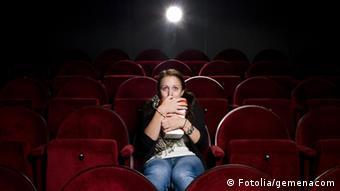 Работа в кинотеатре для девушек работа моделью в новосибирске для полных женщин