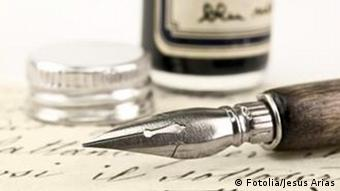 Symbolic picture showing a pen and ink (Photo: Jesús Arias - Fotolia.com)