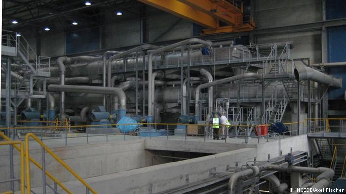 Anlage zur Entfärbung von Papierfasern für das Papierrecycling. (Foto: INGEDE/Axel Fischer)