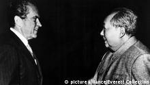 Richard Nixon, Mao Zedong in China, 1972 Keine Weitergabe an Drittverwerter. picture alliance / Everett Collection