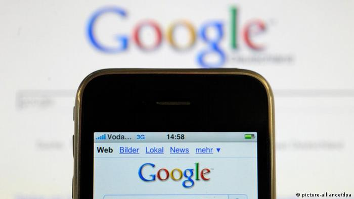Google search on an iPhone (picture-alliance/dpa)