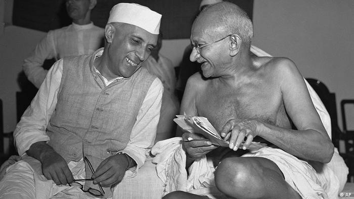 relation between jawaharlal nehru and mahatma gandhi