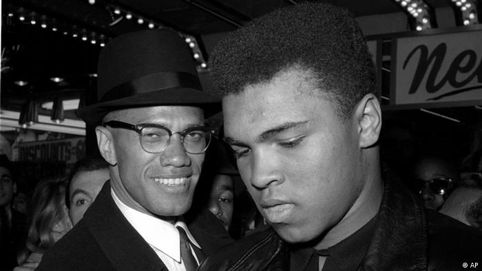 AP Iconic Images Muhammad Ali mit Malcolm X