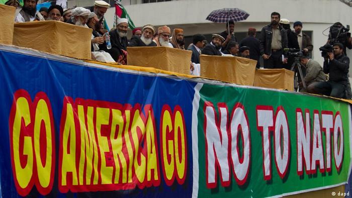 Demonstrasi menentang AS dan NATO