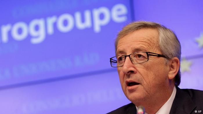 Luxembourg's Prime Minister Jean-Claude Juncker speaks during a media conference after a meeting of eurozone finance ministers at the EU Council building in Brussels on Tuesday, Feb. 21, 2012. After more than 12 hours of talks, the countries that use to euro begrudgingly agreed early Tuesday to hand Greece euro130 billion ($170 billion) in extra bailout loans to save it from a potentially calamitous default next month, an European Union diplomat said. (Foto:Virginia Mayo/AP/dapd).).