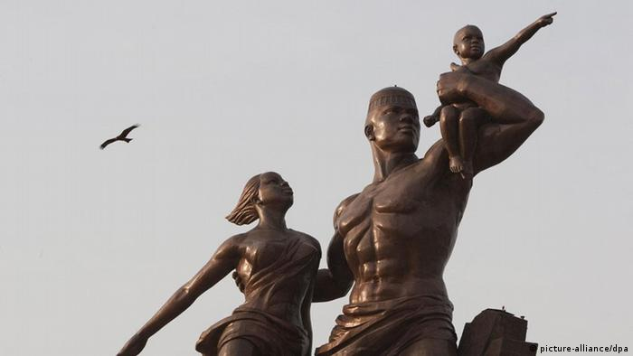 Senegal Dakar Skulptur Afrikanische Renaissance Renaissance africaine