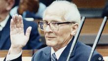 Revolution in Osteuropa 1989 Bild 15 DDR Erich Honecker tritt zurück