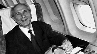 Honecker fliegt nach Chile