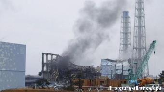 Smoke billows from the No. 3 reactor of the Fukushima Daiichi Nuclear Power Station in Fukushima Prefecture on March 21, 2011 (Photo: Tokyo Electric Power Co./ Kyodo/ MaxPPP)