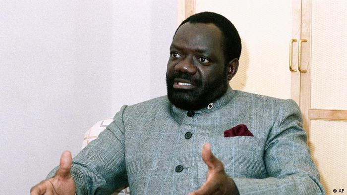 Jonas Savimbi Stock Photos and Pictures | Getty Images
