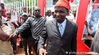 Na foto, o então candidato do PRS, Kumba Ialá, após perder as eleições presidenciais em 2009 para Malam Bacai Sanhá