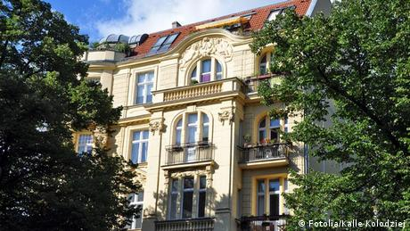 Wohnhaus in Berlin-Charlottenburg Steigende Immobilienpreise (Fotolia/Kalle Kolodziej)