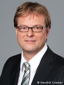 Hendrik Cremer vom Deutschen Institut für Menschenrechte 2010. Kommentar/ Experte zum Buch von Thilo Sarrazin. Copyright: Hendrik Cremer