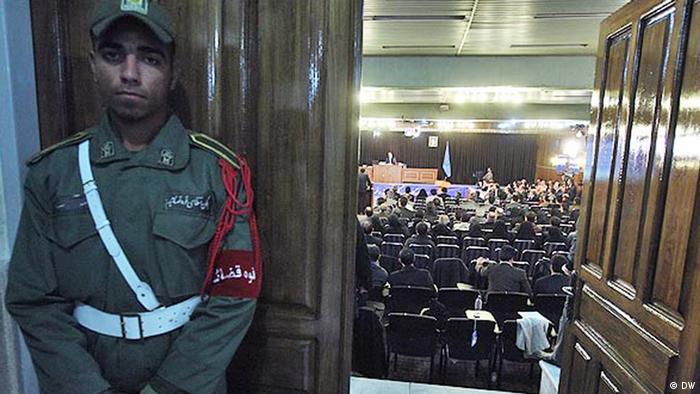 احمد شهید در گزارش خود تأکید میکند امکان نظارت افکار عمومی بر سیاستها و اقدامات قوه قضاییه در ایران از بین رفته است