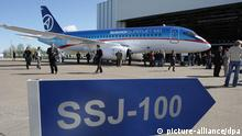 Flugzeug Jet Sukhoi Superjet 100 Russland
