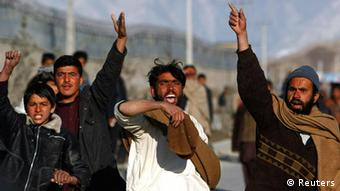 Foto von Demonstranten in Kabul (Foto: Reuters)
