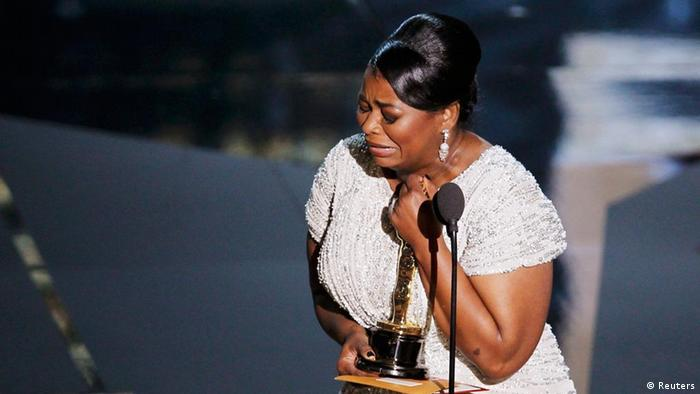 Octavia Spencer, cries after winning the Oscar for best supporting actress for her role in The Help at the 84th Academy Awards in Hollywood, California, February 26, 2012. REUTERS/Gary Hershorn (UNITED STATES) (OSCARS-SHOW)