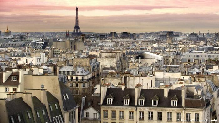 Picture of Paris with the Eiffel Tower shown in the background. (Photo: Fotolia/ThorstenSchmitt #28290547)