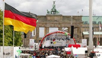 60 Jahrestag Kriegsende Berlin Brandenburger Tor