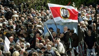 60 Jahrestag Kriegsende Berlin Demonstration NPD
