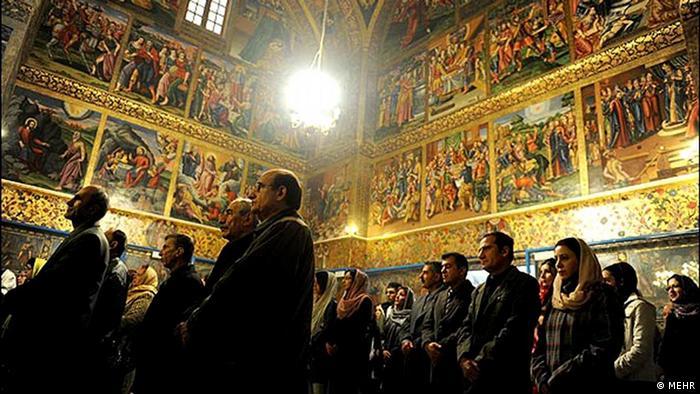 مراسم سال نو میلادی در کلیسایی در اصفهان