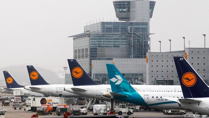 Deutschland Streik am Flughafen Frankfurt Vorfeld-Mitarbeiter Tower (Reuters)
