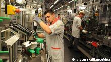 Tvornička hala sa strojevima