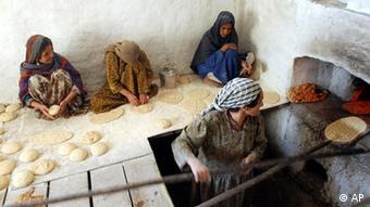 لحاف دوزی سنتی لحاف دوزی؛ صنعت پر درآمد برای زنان   گزارش های بازسازی ...