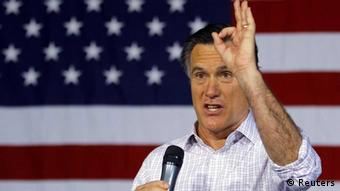 Republican presidential candidate and former Massachusetts Governor Mitt Romney speaks at a town hall meeting campaign stop at USAeroteam in Dayton, Ohio March 3, 2012. REUTERS/Brian Snyder (UNITED STATES - Tags: POLITICS ELECTIONS) // eingestellt von se