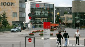 Аутлет-центр в городке Метцингене, где находится штаб-квартира фирмы Hugo Boss